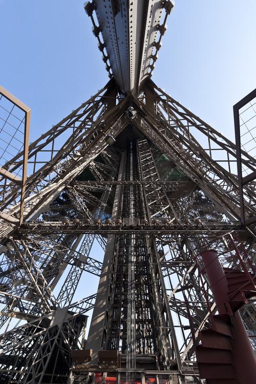 A la tour eiffel - 3 10