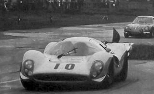 Montlhéry 1967 Ferrari 412 P Mairesse Beurlys