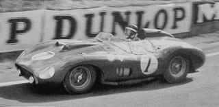 1957 24 Heures du Mans 335 S Hawthorn-Musso