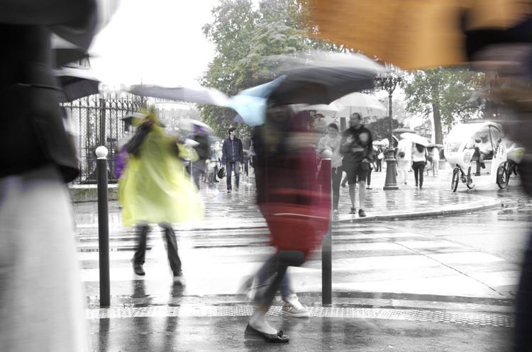 Parapluies et poncho